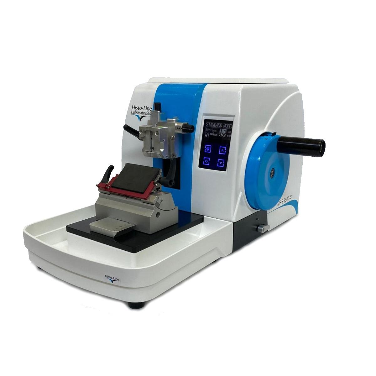 Semiautomatic programmable rotary microtome
